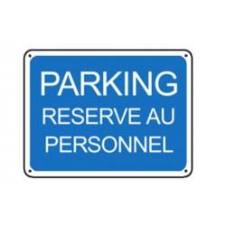 Parking réservé au personnel renforcé