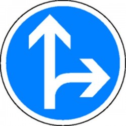 Panneau Obligation de tourner à droite ou tout droit Classe 2